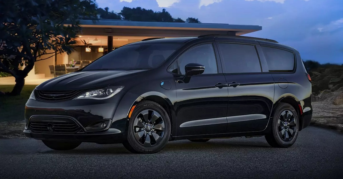 Research 2019 Chrysler Pacifica on Long Island NY