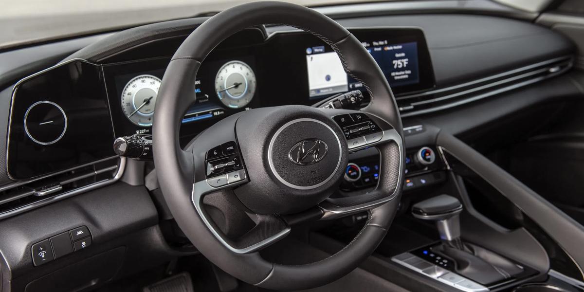 Centereach NY - 2021 Hyundai Elantra's Interior