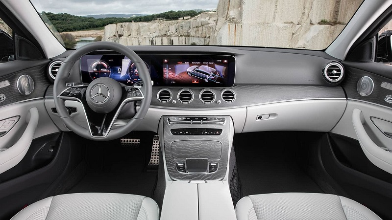 Chattanooga TN - 2021 Mercedes-Benz E-Class All-Terrain's Interior